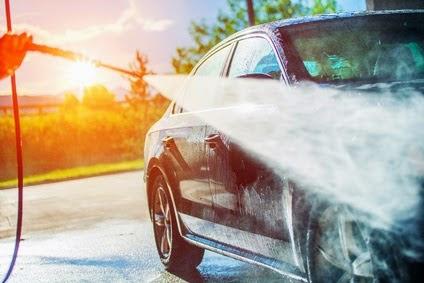 Nettoyage haute pression de sa voiture